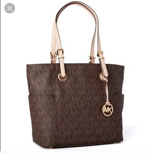 Michael Kors • Signature Jet Set Tote